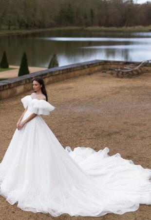 Пышное свадебное платье принцессы
