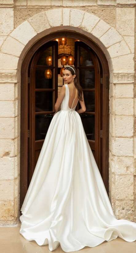 wedding dresses open back, wedding dress ball gown, wedding dresses with long trains