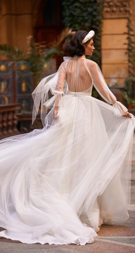 свадебное платье со шлейфом, свадебное платье из фатина